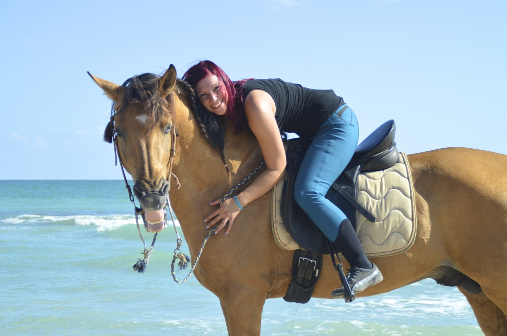 photo shooting with horses near the sea